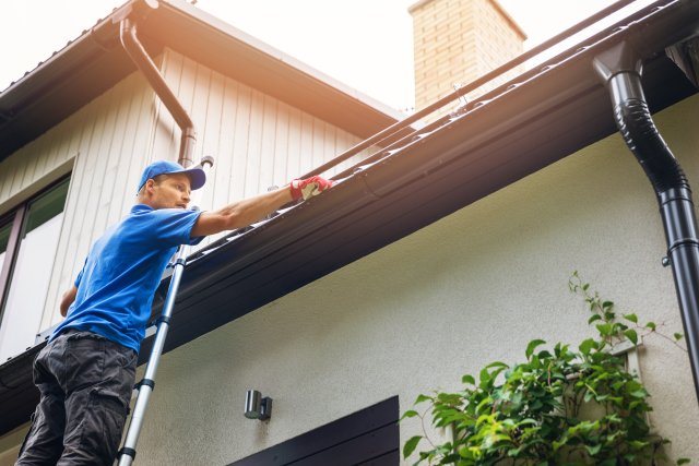 How Do I Know If I Need Gutter Replacement?